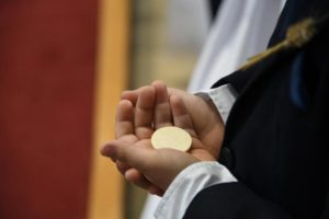 Gottesdienst zur Erstkommunion coronabedingt nur für Angehörige